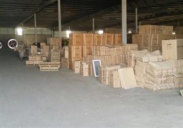 """""""التجارة"""" تصادر أكثر من 17 ألف سلعة مقلدة وغذائية فاسدة بمكة (صور)"""