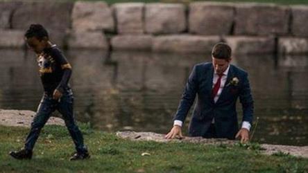 ترك عروسه أثناء الزفاف لينقذ طفلا من الغرق