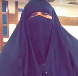 """""""العمل"""" تكشف حقيقة منع سورية من رؤية ابنتها السعودية بعد فراق 26 عامًا.. وأخو الفتاة: لا أمانع لكن بشرط"""