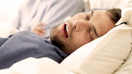 لماذا لا يستيقظ الإنسان على صوت شخيره؟
