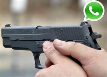 """حائل: توقيف موظفين حكوميين إثر خلاف بينهما على واتس آب حول """"عنصرية الزواج"""".. انتهى بإشهار السلاح"""