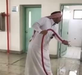 شاهد ماذا فعل معلمو مدرسة متوسطة ببريدة عقب موجة الغبار الأخيرة