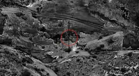 شاهد.. لحظة استهداف مقاتلات التحالف لتحركات ميليشيا الحوثي على الشريط الحدودي