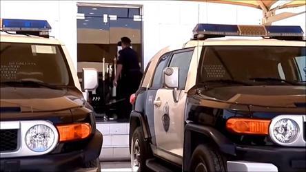 """""""شرطة المدينة"""" تفك لغز تكسير وسرقة المركبات في عدد من الأحياء بالقبض على جانيين"""