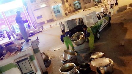 أمانة العاصمة المقدسة تنفذ حملة رقابية على الباعة المتجولين وتزيل البسطات العشوائية بمكة