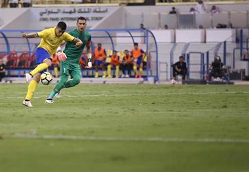 فيديو: خطأ فادح من الحضري يكلف فريقه هدفاً