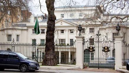 سفارة المملكة في لندن تدعو المواطنين لتجنب التواجد في منطقة حادث الدهس