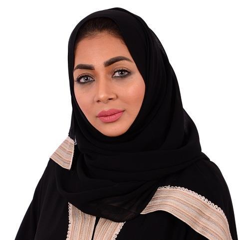 """تُعد أول سعودية تتولى إدارة فندق في العالم.. """"مرام قوقندي"""" تحصل على جائزة الضيافة العالمية"""