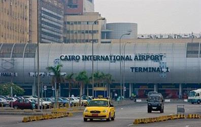 إحباط محاولة مضيفة طيران تهريبَ أدوية تجميل من السعودية لمصر بمليون جنيه