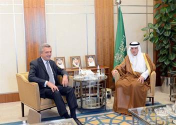 وزير الخارجية يستقبل المفوض السامي لشؤون اللاجئين