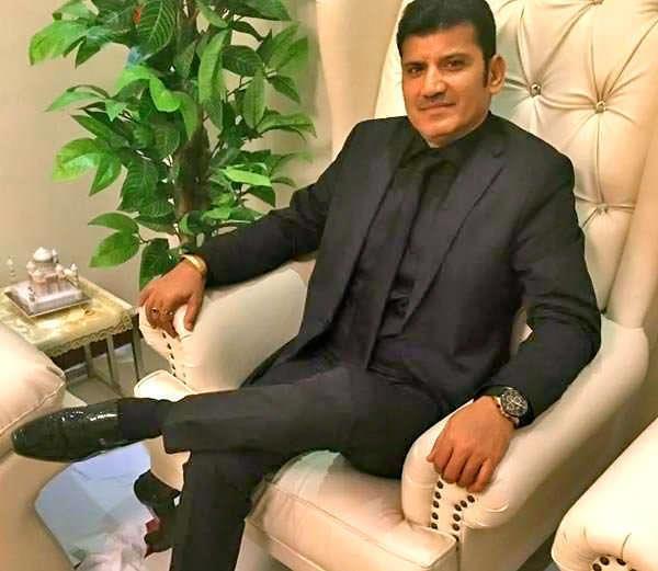 يعمل في السعودية منذ 32 سنة.. تعرف على الملياردير الهندي الذي ترشح للانتخابات في بلاده (صور)