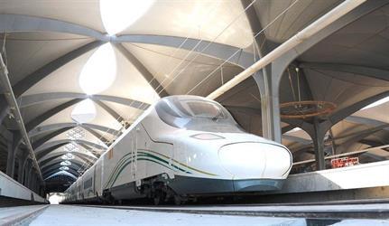 شاهد.. قطار الحرمين السريع يصل مكة المكرمة لأول مرة.. والتشغيل الرسمي قريبا