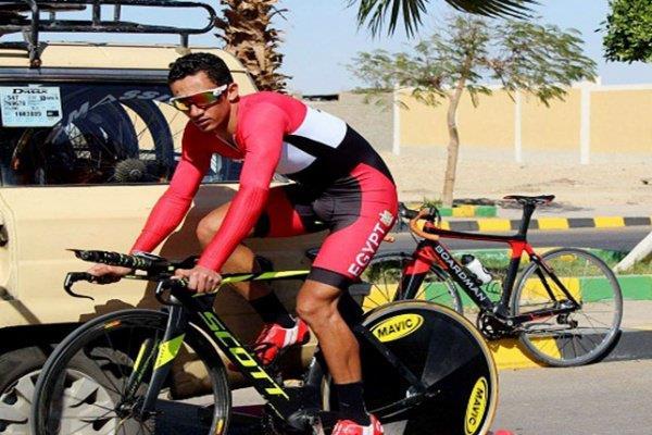 وفاة متسابق دراجات مصري قبل خط النهاية بأمتار