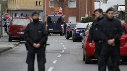 في ألمانيا.. رجل يهشم بمطرقة 24 سيارة لتفريغ غضبه