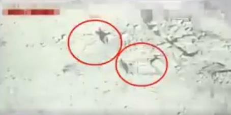 """بالفيديو.. قوات """"التحالف"""" تستهدف بنجاح مليشيا الانقلابيين عند حدود المملكة"""