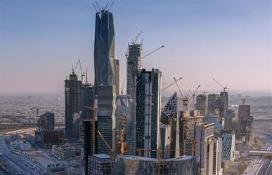 """أحدها """"عدم الواقعية"""" وضعف الإنتاجية.. لماذا تأخر إنجاز مشروع مركز الملك عبدالله المالي؟"""