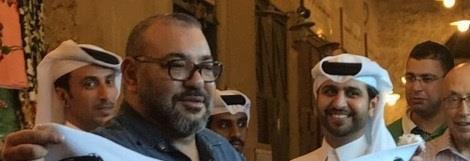 """المغرب يؤكد رسمياً: صورة الملك محمد السادس التي تحمل عبارات سياسية  في قطر """"مزيفة"""""""