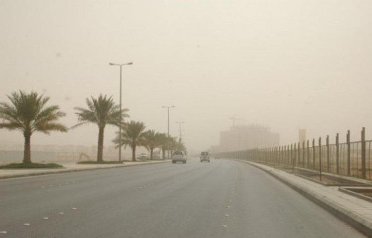 """""""الأرصاد"""": أمطار رعدية مصحوبة برياح مثيرة للغبار على 6 مناطق بدءًا من الغد"""