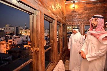 أمير مكة بالإنابة يوجه بتوفير موقعا لآليات الدفاع المدني في جدة التاريخية